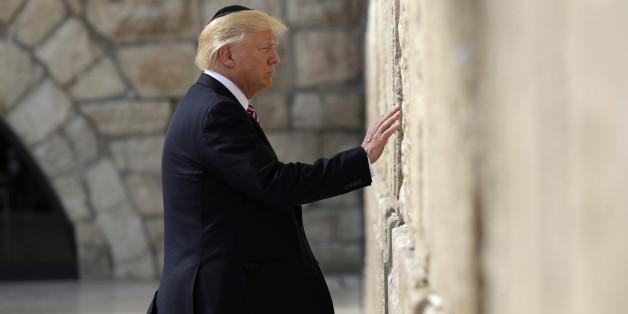 Trump besucht als erster amtierender US-Präsident die Klagemauer - und zieht den Spott auf sich