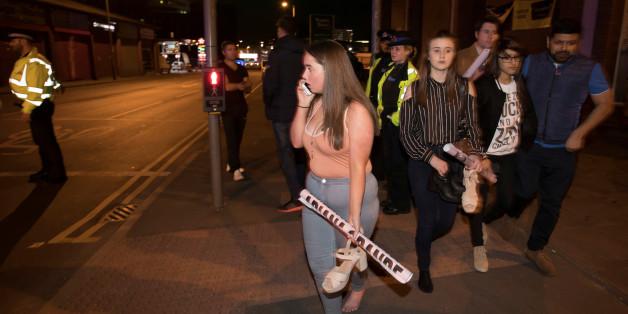 Manchester: Einwohner bieten betroffenen Schlafplätze und Tee an - und Taxifahrer fahren umsonst