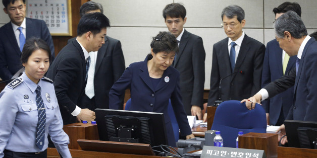 Former South Korean President Park Geun-hye arrives for her trial at the Seoul Central District Court in Seoul, South Korea, May 23, 2017. REUTERS/Ahn Young-joon/Pool