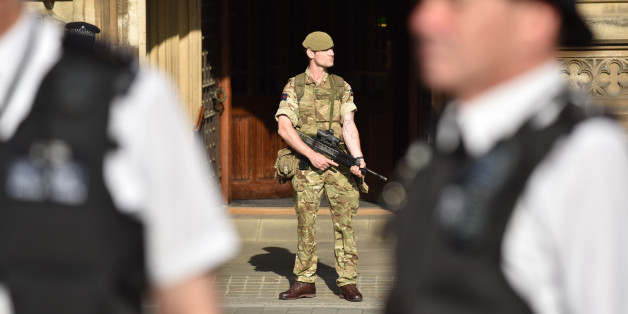 LONDON, UNITED KINGDOM - MAY 24: British Army soldiers seen on duty outside Parliament and Downing Street alongside armed police officers on May 24, 2017 in London, England.PHOTOGRAPH BY Matthew Chattle/Barcroft Images London-T:+44 207 033 1031 E:hello@barcroftmedia.com - New York-T:+1 212 796 2458 E:hello@barcroftusa.com - New Delhi-T:+91 11 4053 2429 E:hello@barcroftindia.com www.barcroftimages.com (Photo credit should read Matthew Chattle/Barcroft Images / Barcroft Media via Getty Images)