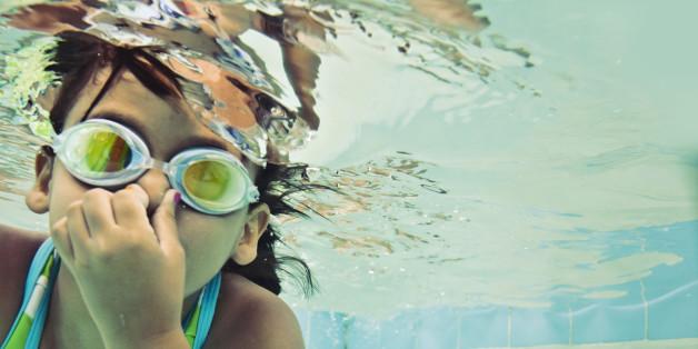 Deshalb riecht es im Schwimmbad nach Chlor