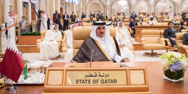 RIYADH, SAUDI ARABIA - MAY 21:  (----EDITORIAL USE ONLY  MANDATORY CREDIT - 'BANDAR ALGALOUD / SAUDI KINGDOM COUNCIL / HANDOUT' - NO MARKETING NO ADVERTISING CAMPAIGNS - DISTRIBUTED AS A SERVICE TO CLIENTS----) Emir of Qatar Tamim bin Hamad Al Thani attends the Arabic Islamic American Summit at King Abdul Aziz International Conference Center in Riyadh, Saudi Arabia on May 21, 2017. (Photo by Bandar Algaloud / Saudi Kingdom Council / Handout/Anadolu Agency/Getty Images)