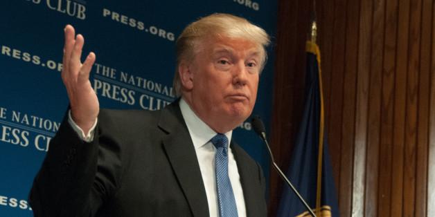 Un compte Twitter transforme les tweets de Trump en communiqués officiels