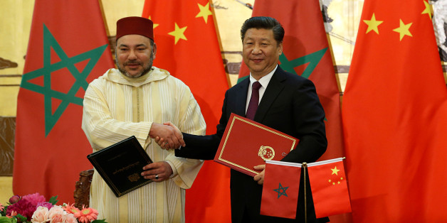 Le roi Mohammed VI avec le président chinois Xi Jinping lors d'une visite royale à Pékin, le 11 mai 2016