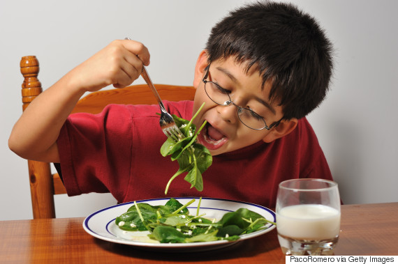 kids eating spinach