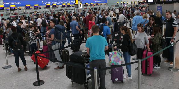 Die Polizei hat einen Verdächtigen am Flughafen London-Heathrow verhaftet.
