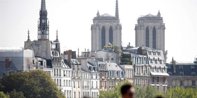 L'attaque a eu lieu hier, sur le parvis de Notre Dame de Paris.