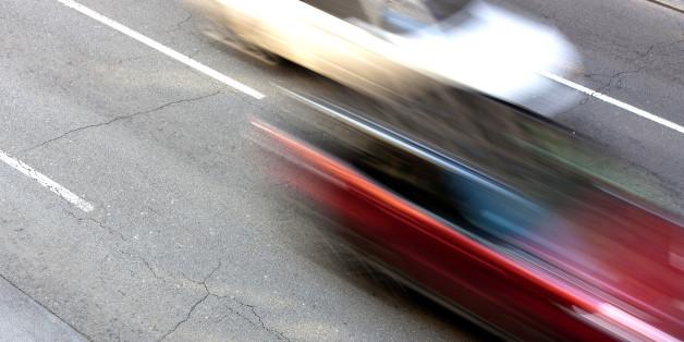 Das illegale Straßenrennen der jungen Männer forderte das Leben einer Unbeteiligten