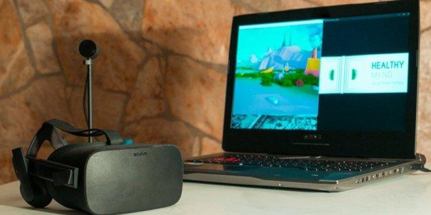 Trois ingénieurs inventent un casque de réalité virtuelle à vocation thérapeutique.