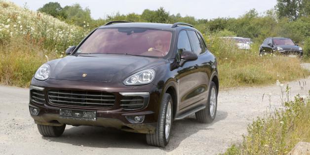 """Laut """"Spiegel"""" sollen Autos des Modells """"Porsche Cayenne"""" über einen illegalen Mechanismus verfügen."""