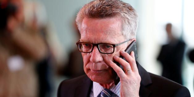 Innenminister de Maizière will Überwachung ausweiten - und auch WhatsApp knacken lassen