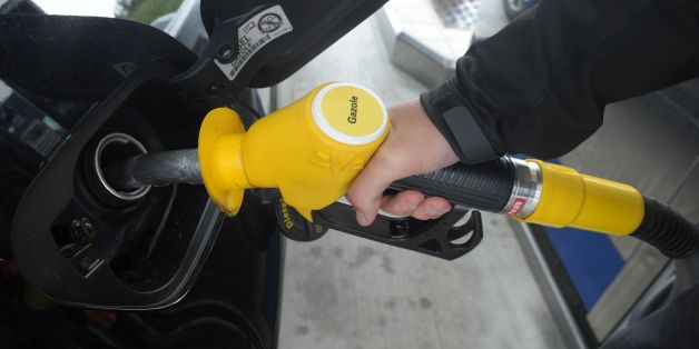 A person pump diesel gasoline on May 29, 2017 at a petrol station in Brest, western France. / AFP PHOTO / FRED TANNEAU        (Photo credit should read FRED TANNEAU/AFP/Getty Images)