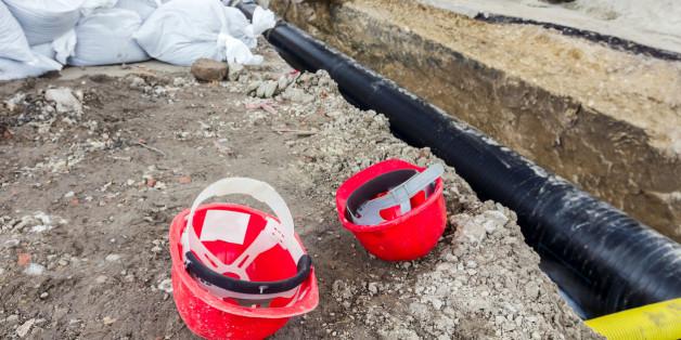 Nach Öl-Unfall: Eine Idee von zwei Bauarbeitern macht das Desaster nur noch schlimmer.