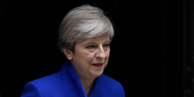 """Nach der Wahlschlappe steht der """"harte"""" Brexit von Premierministerin May auf der Kippe"""