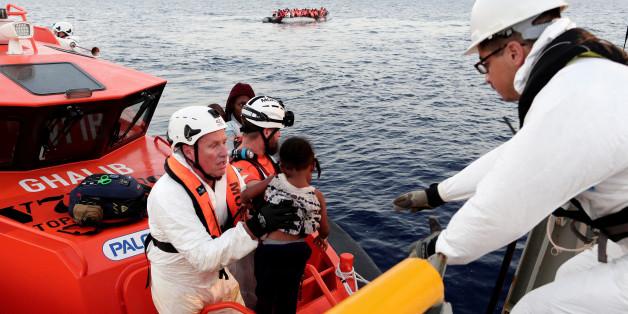 Die Identitäre Bewegung will mit einem eigenen Schiff die Seenotrettung von Flüchtlingen behindern