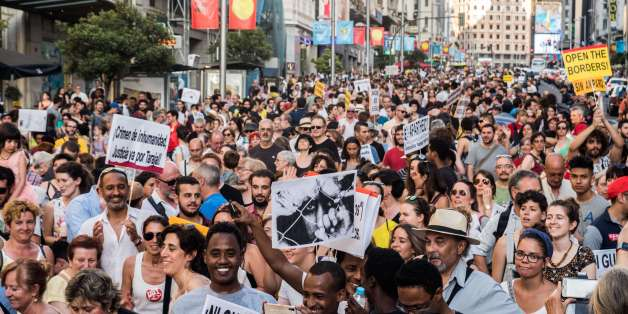 MADRID, SPAIN - 2017/06/17: Thousands of people demanding to welcome refugees during a demonstration against immigration policies. (Photo by Marcos del Mazo/LightRocket via Getty Images)