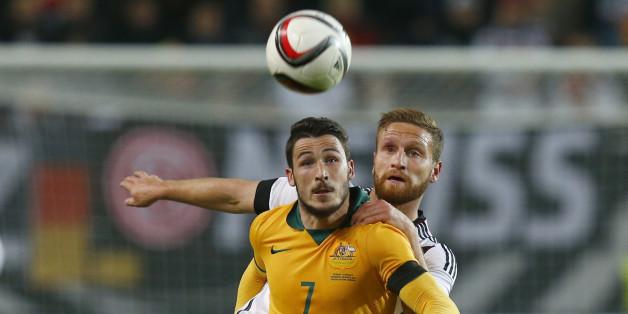 Schon 2015 spielte Deutschland gegen Australien im Trauerflor - so auch beim Confed Cup 2017