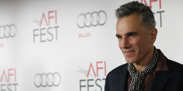 "Cast member Daniel Day-Lewis poses at the premiere of ""Lincoln"" during the AFI Fest 2012 at the Grauman's Chinese theatre in Hollywood, California November 8, 2012. The movie opens in the U.S. on November 16. REUTERS/Mario Anzuoni (UNITED STATES - Tags: ENTERTAINMENT)"