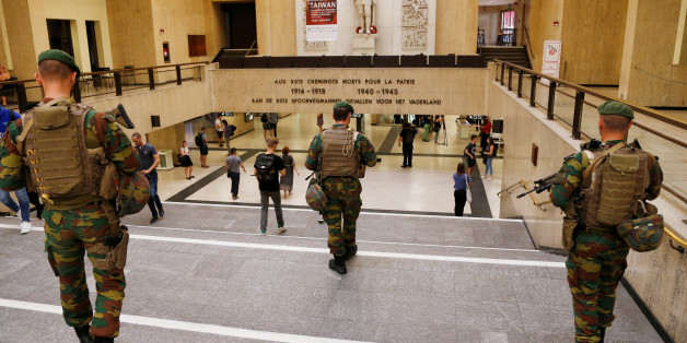 Belgian soldiers patrol inside Brussels central railway station after a suicide bomber was shot dead by troops in Brussels, Belgium, June 21, 2017. REUTERS/Francois Lenoir