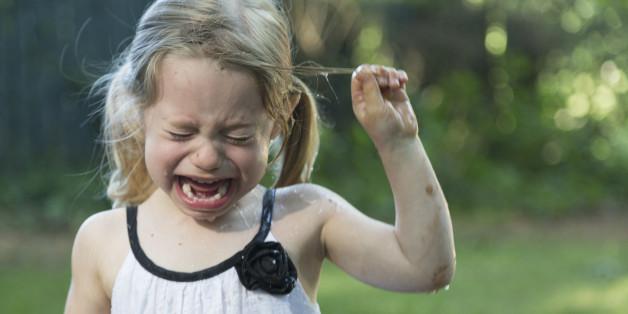 Kinder für einen Wutanfall zu bestrafen, ist der falsche Weg - da sind sich Erziehungsexperten einig.
