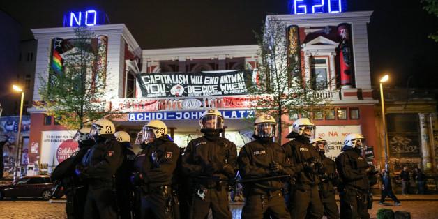 Bereits am 1. Mai gab es in Hamburg Proteste gegen den G20-Gipfel - inklusive der entsprechenden Polizeipräsenz.