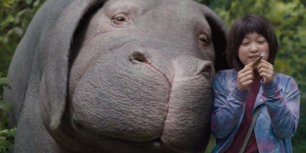 """Mija hat einen ungewöhnlichen Tierfreund, der eigentlich zum Essen gezüchtet wurde. Doch das will sie verhindern. """"Okja"""" ist neu auf Netflix"""