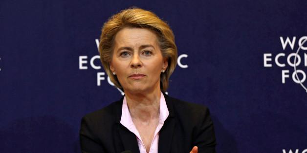 Verteidigungsministerin von der Leyen scheint die Unterstützung der Bundeskanzlerin verloren zu haben.