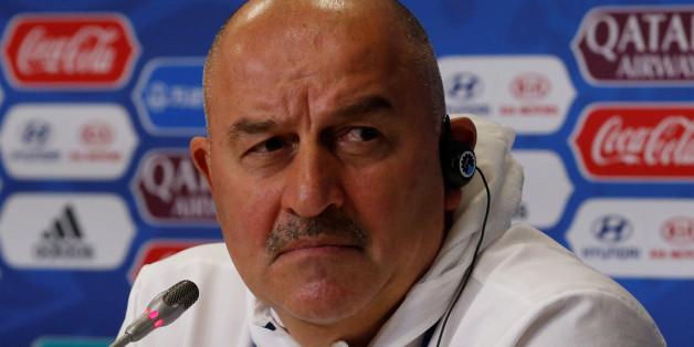 Beim Interview mit dem russischen Fußballtrainer hagelte es chauvinistische Aussagen