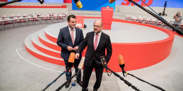 """SPD-Kanzlerkandidat Schulz wirft Merkel einen """"Anschlag auf die Demokratie"""" vor"""