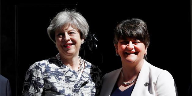 EIL: Regierung in Großbritannien gebildet - May unterzeichnet Abkommen mit nordirischer DUP