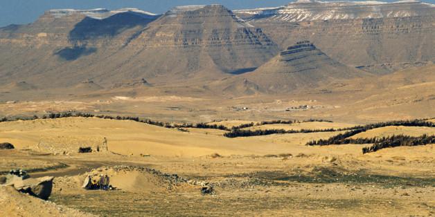 ALGERIA - MAY 11: Landscape near Bou Saada, Sahara Desert, Algeria. (Photo by DeAgostini/Getty Images)