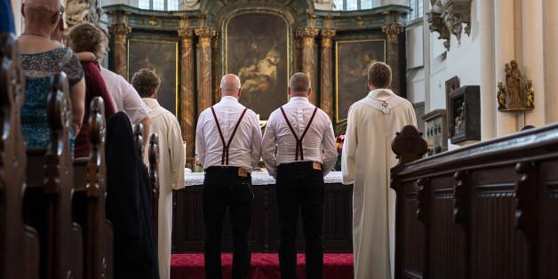 Rechtsausschuss des Bundestages erlaubt Abstimmung über die Ehe für alle