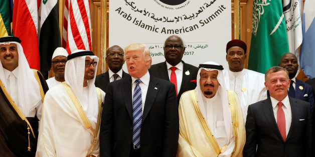 (Front R-L) Jordan's King Abdullah II, Saudi Arabia's King Salman bin Abdulaziz Al Saud, U.S. President Donald Trump, Abu Dhabi Crown Prince Sheikh Mohammed bin Zayed al-Nahyan and Qatar's Emir Sheikh Tamim Bin Hamad Al-Thani pose for a photo during Arab-Islamic-American Summit in Riyadh, Saudi Arabia May 21, 2017. REUTERS/Jonathan Ernst