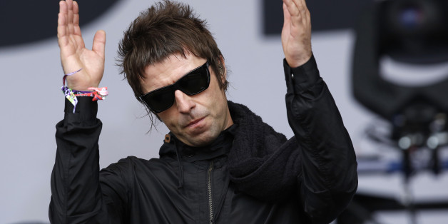 Liam Gallagher performs with his band Beady Eye during the Glastonbury music festival at Worthy Farm in Somerset, June 28, 2013. REUTERS/Olivia Harris (BRITAIN - Tags: ENTERTAINMENT)