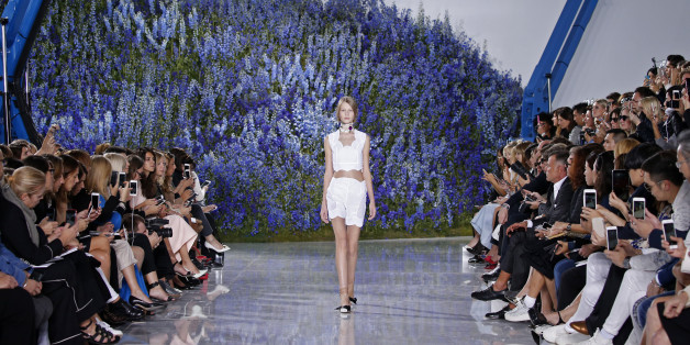 Model Sofia Mechetner presents a creation by Belgian designer Raf Simons as part of his Spring/Summer 2016 women's ready-to-wear collection for Christian Dior fashion house in Paris, France, October 2, 2015.  REUTERS/Benoit Tessier