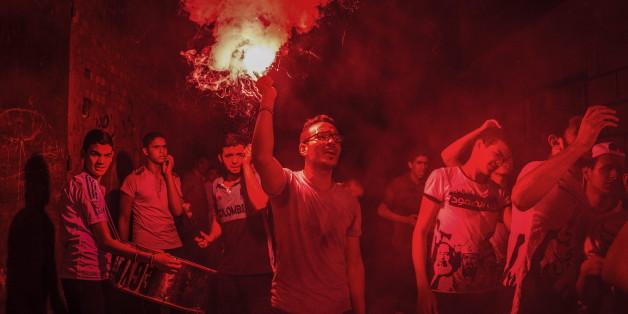 Mitglieder der Muslimbruderschaft demonstrieren am 6.10.2015 in Kairo am zweiten Jahrestag von Zusammenstößen der Bruderschaft mit Sicherheitskräften