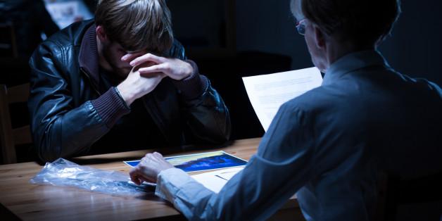 """Die Belastung für Opfer von Gewalt wird während des Ermittlungsverfahrens oft verstärkt. Das berichtet eine Studie der Stiftung """"WEISSER RING""""."""