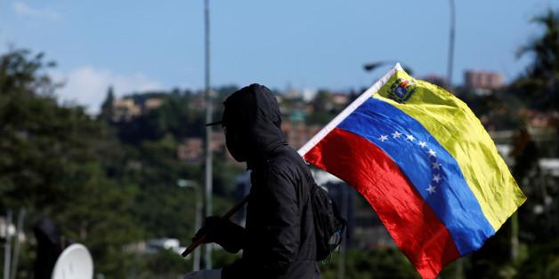 Regierungsanhänger stürmen Parlament in Venezuela