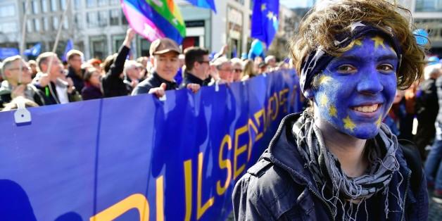 Diese 14 jungen Menschen würden ihren Pass sofort gegen einen Europäischen eintauschen
