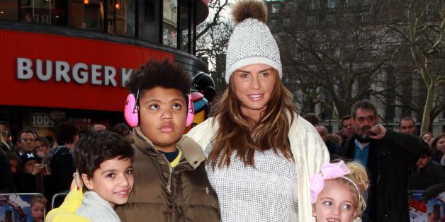 Katie Price mit ihren Kindern, im Bild links ihr Sohn Harvey.