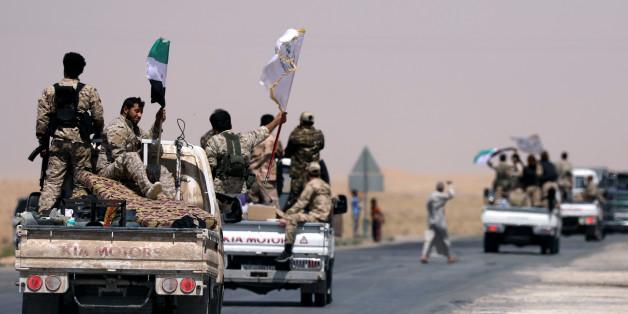 Les Forces démocratiques syriennes en direction de Raqqa