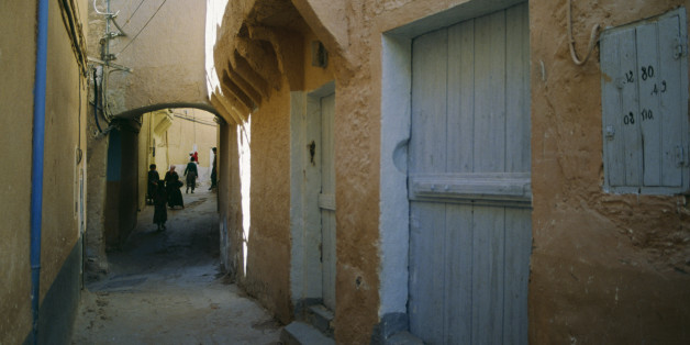 ALGERIA - MAY 05: An alley in Ghardaia, M'Zab Valley (Unesco World Heritage List, 1982), Algeria. (Photo by DeAgostini/Getty Images)