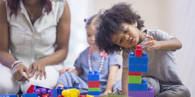 Babykurse bieten Kontakt zu anderen Kleinkindern ab der vierten Lebenswoche