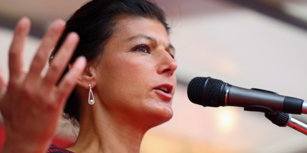MARIENPLATZ, MUNICH, BAVARIA, GERMANY - 2017/06/27: The German opposition leader Sahra Wagenknecht came to talk in Munich. Several hundred came to listen. (Photo by Alexander Pohl/Pacific Press/LightRocket via Getty Images)