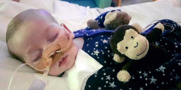 Seit elf Monaten kämpft Baby Charlie ums Überleben