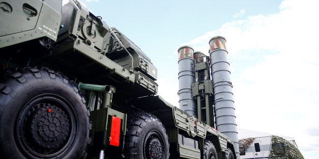MOSCOW, RUSSIA - JULY 19 :  S-400 Triumf and Pantsir-S anti-aircraft weapon systems on display at the MAKS-2017 International Aviation and Space Salon in Zhukovsky, Moscow Region, Russia, on July 19, 2017. (Photo by Sefa Karacan/Anadolu Agency/Getty Images)