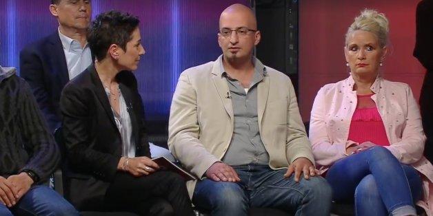 """Bruder der in der Türkei inhaftierten Journalistin Mesale Tolu macht der Bundesregierung bei """"Dunja Hayali"""" einen schweren Vorwurf"""