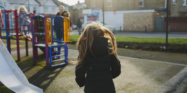 Mutter schlägt fremde Kinder auf Siegburger Spielplatz - und haut danach ab