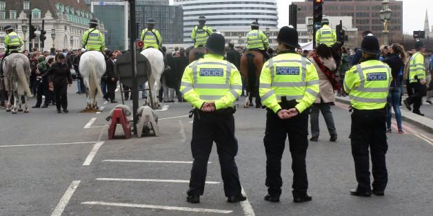 """Royaume-Uni: Prison à perpétuité pour quatre hommes qui préparaient une """"attaque terroriste"""""""