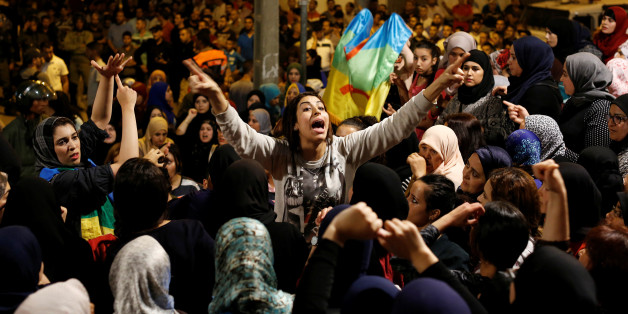 Women shout during a protest against official abuses and corruption in the town of Al-Hoceima, Morocco June 3, 2017. REUTERS/Youssef Boudlal TPX IMAGES OF THE DAY
